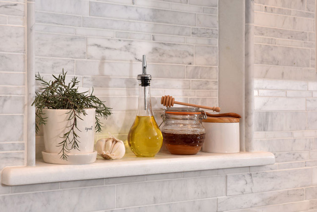 Picking A Kitchen Backsplash: Learn More About Custom Kitchen & Bathroom Cabinetry From